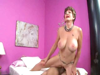 Mature slut in underware can't live without a hot creampie