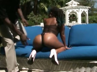 Ebony Chick With a Massive Gazoo Gets Screwed and Facialized Outdoors