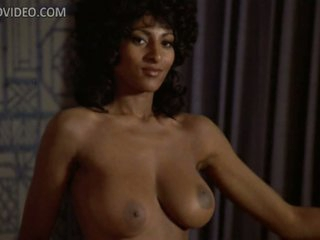 Cock-Bursting Ebony Star Pam Grier Shows Her Hawt Booty and Huge Rack