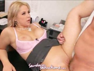 Secretary Sarah Vandella is screwed on the desk