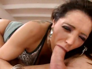 Rampant Francesca Le gobbles down this hard dick