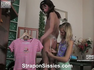Jess&Randolph strapon pussyclothed sex movie