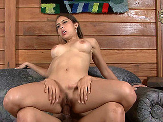 Tayna&Fernanda ladyboy copulates lady action