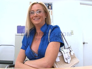 Naughty blonde milf Camryn Cross is here to do handjob