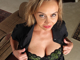 Hot milf bitch is exposing her fine boobs on camera