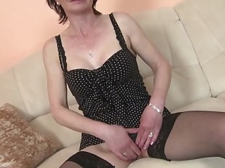 Mature skinny dam with hungry vagina