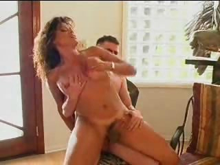 Hot anal makes the tranny moan for more